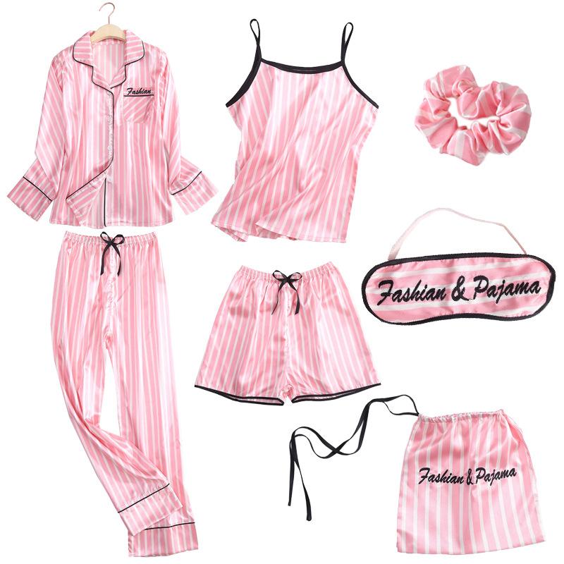Pyjamas & Loungewear