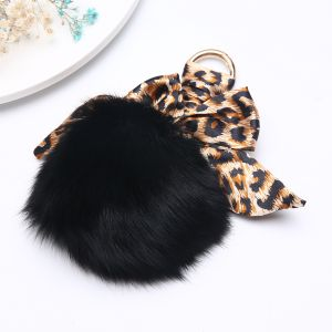 3010 Fur pom pom in Black