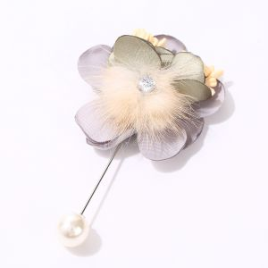 1516 Cream fur with Silver flower