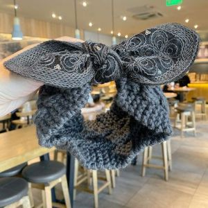 HACH602 Knitted wool with bow detail Grey
